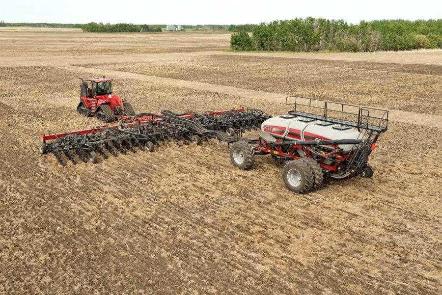 При виборі посівного комплексу важливо враховувати середній розмір поля і його геометрію, щоб підібрати правильну ширину захвату